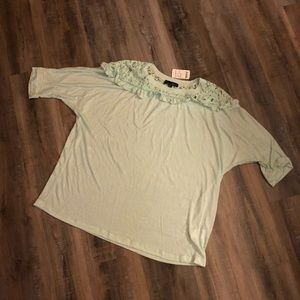 Make an offerNWT Suzanne Betro Mint 3/4 sleeve top